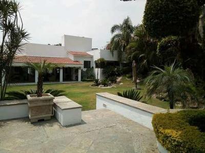 Preciosa Casa En Cuernavaca Con 4 Rec, 3 Baños Y 4 Est