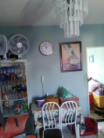 Apartamento De 2 Quartos Sala Cozinha E Area De Serviço