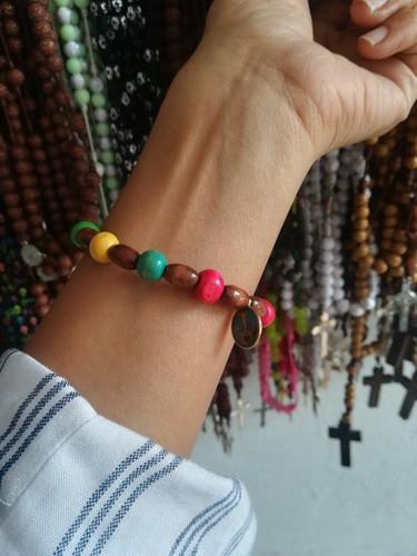 Imagen 1 de 2 de Denario Con Dijes Religiosos En Madera