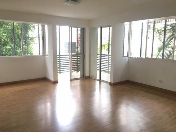 Venta De Apartamento, Evaristo Morales, 3 Habitaciones