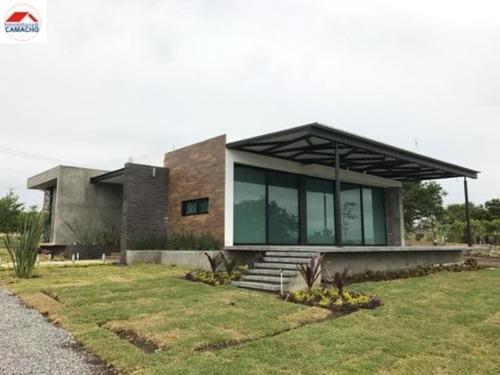 Casa Sola En Venta Venta, Sobre Autopista Colima-guadalajara Km. 22; Con Terraza Y Pozo De Agua