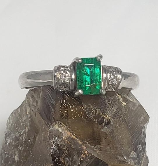 Anel Em Ouro 18k Branco C/ Esmeralda E 2 Diamantes Legitimos