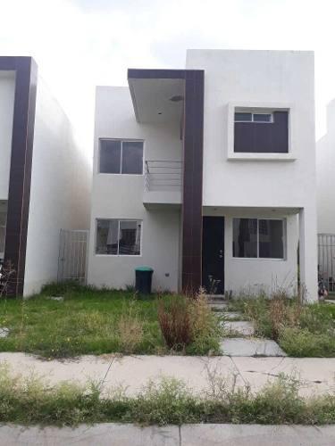 Vendo Casa En Gran Hacienda, 3 Recamaras Con Pasillo Lateral
