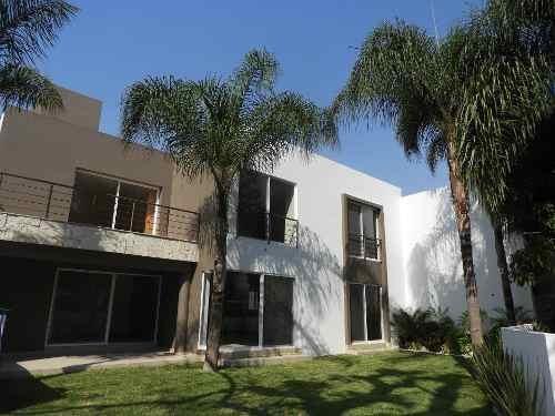 Venta De Casa Nueva Cerca Del Centro De Cuernavaca...rx-2746