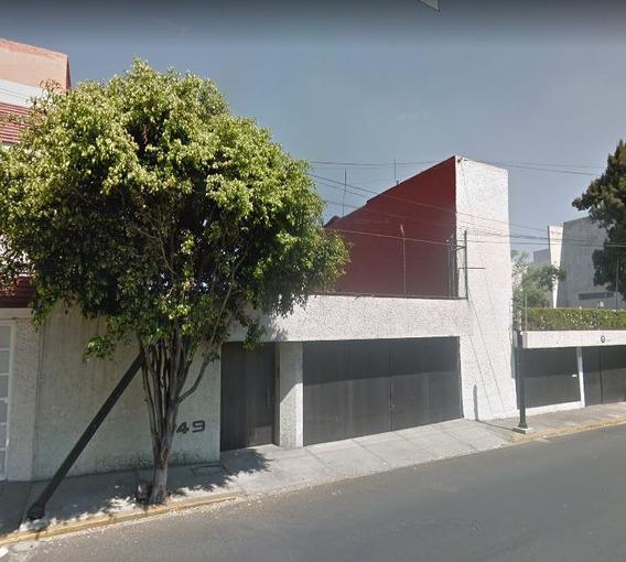 Casa De Remate En Calzada De Las Aguilas