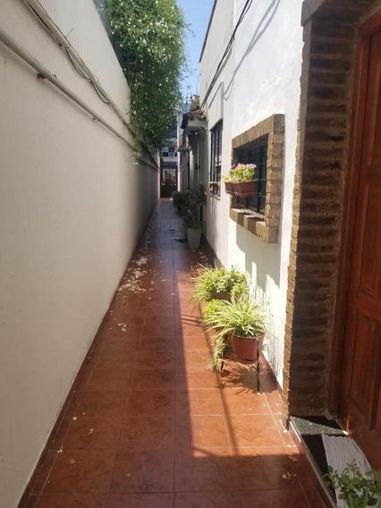 Pasillo 2 Dormitorios Con Terraza Y Quincho-pichincha-