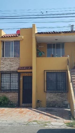 Casa Duplex En Venta En San Gilberto,zapopan.
