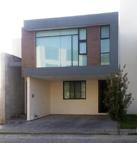 Villa En Renta En Lomas De Angelópolis, San Andrés Cholula, Puebla