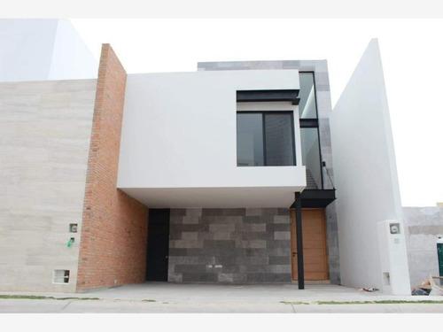 Imagen 1 de 5 de Casa Sola En Venta San Angel 1ra Secc