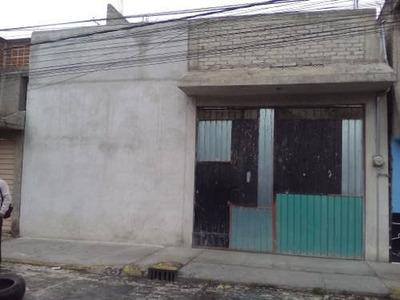 Casa Construida En 2 Niveles, Amplia, Iluminada, Garage Techado, Muy Cerca De Av. Chimalhuacan, Av. Tepozanes, Escuelas, Mercados Y Transporte. Citas A Los Teléfonos 5260-3082 Al 84 O Al Cel (55) 42