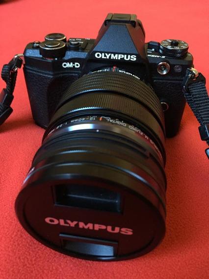 Olympus Om-d E-m5 Mark Ii Mirrorless + Ed 12-40mm F2.8 Pro