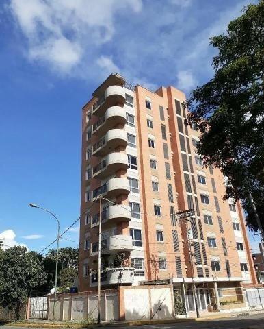 Apartamento En Venta Centro Lara 20-16222 J&m 04121531221