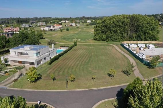 Excelente Lote Con Vista Al Golf En El Barrio El Tonó, Pilará - Mallmann Propiedades