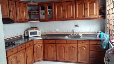 Casa En Costa De Oro De 600 M2
