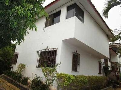 Casa En Condominio En Venta En Pedregal De Las Fuentes.