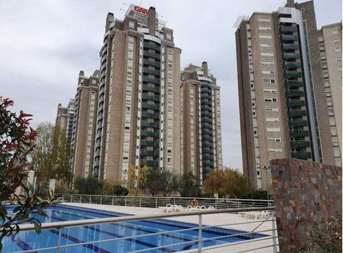 Departamento De Dos Dormitorios En Alto Villasol Con Balcón. Excelente Ubicación