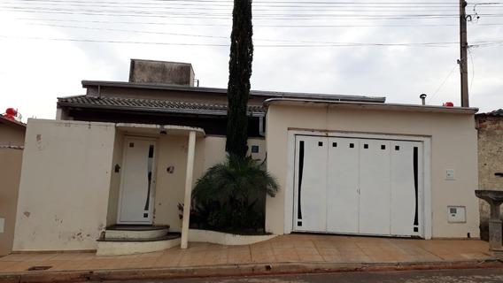 Casa Em Terreno De 200m² Com 2 Quartos E 1 Banheiro