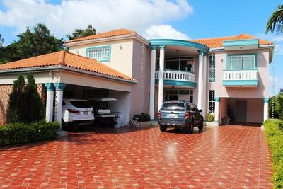Villa En Metro Country Club
