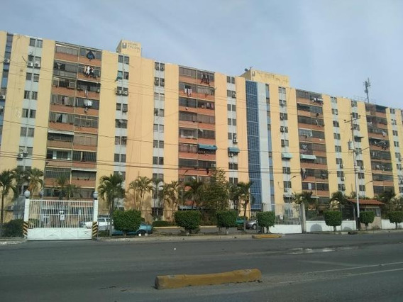 Apartamento En Venta Oeste Lara 20-7563 Rg