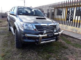 Toyota Hilux 4x4 2015 945042641- 927369282