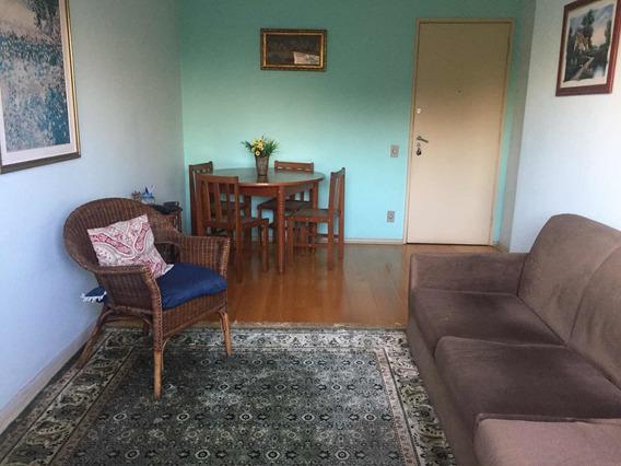 Apartamento Confortável Com 2dorm., Area De Serv., 1 Garagem
