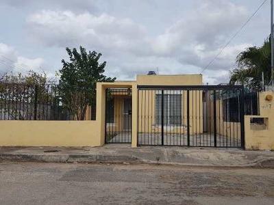 Casa Ubicada En Francisco De Montejo En Renta