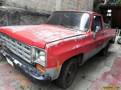 Chevrolet C-10 .