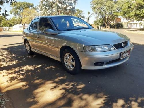 Vectra 2.2 Mpfi Gl Milenium 8v Gasolina 4p Manual