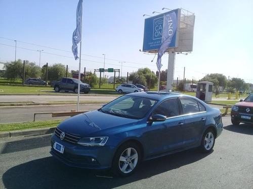 Volkswagen Vento 2.5 Luxury  Tiptronic    Mb