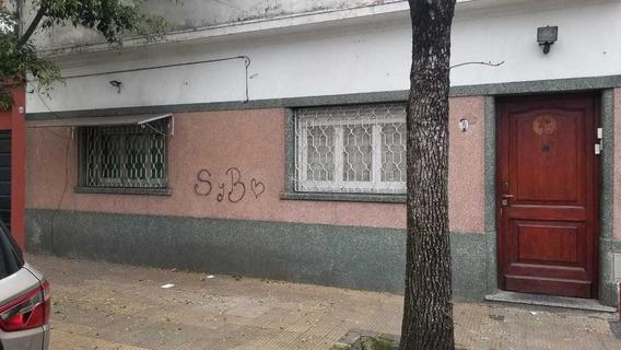 Vendo En Capital Federal Barrio Velez Sarfield Tipo Casa En Ph Al Frente 3 Amb Con Terraza Propia. Sin Expensas. Tomo Menor Valor F: 7992