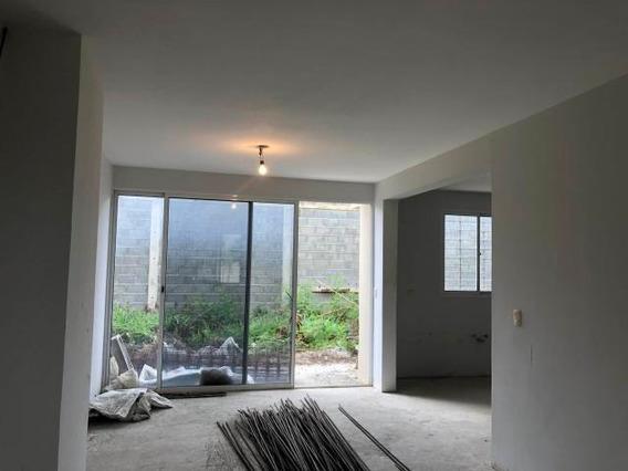 Casa En Venta En Ciudad Roca Barquisimeto 20-21927 Rr