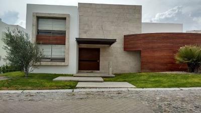Residencia En Renta En El Campanario