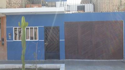 Vendo Casa Bonita De Dos Pisos 5 Cuartos, Espacio Amplio.