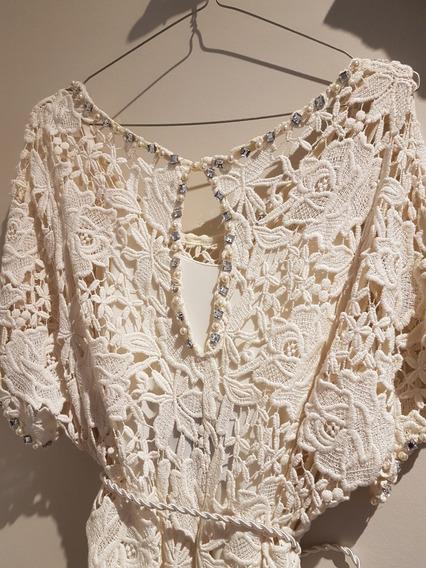 Vestido De Diseñadora Nstalia Antolin Color Crudo