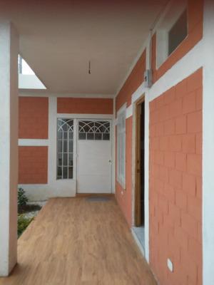 Se Renta Habitación Amplia En Casa Nueva.