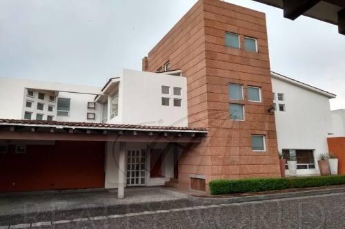 Hermosa Casa En Privada A Una Cuadra De Paseo Tollocan Y Med