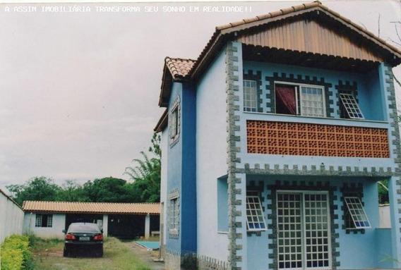 Casa Para Venda Em Caxambu, 3 Dormitórios, 2 Suítes, 4 Banheiros - C299