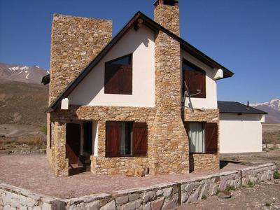 Venta Cabaña Con Garage En El Valle De Los Molles Mendoza