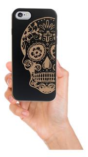 Funda iPhone 6 / 6s - Calaca Negra - Madera Grabada