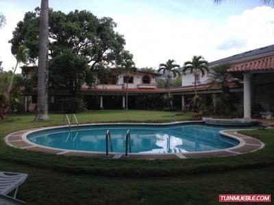 Código # 522 Casa En Alquiler En Prados Del Este.