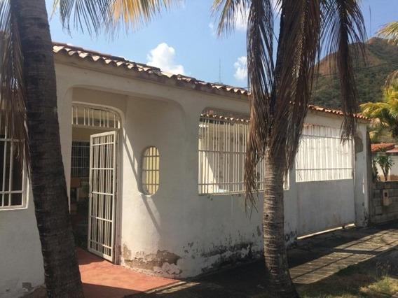 250m2 Casa En Venta Lomas De La Esmeralda