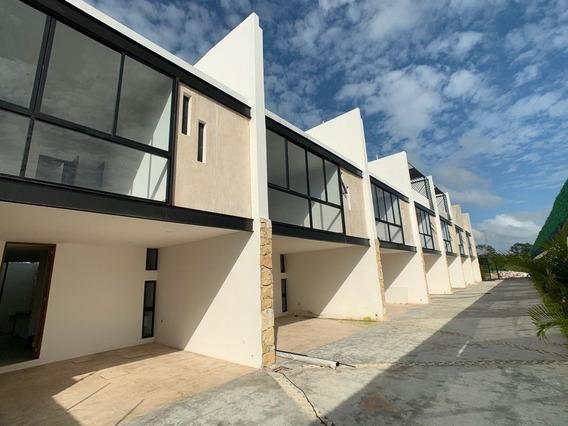 Última Casa Tipo Townhouse, 3 Recámaras, Roof Y Alberca. A