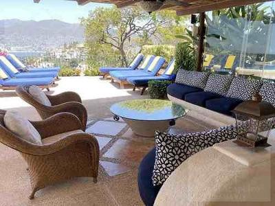 Cad Tres Palapas. Terraza Con Alberca, Palapa, Sala, Asoleadero Y Vista A La Bahía