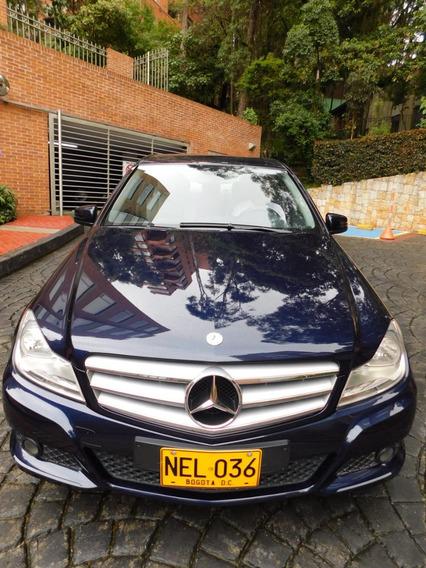 Mercedes Benz Azul Como Nuevo 2013 - No Negociable
