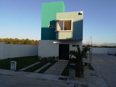 Residencia En Coto Privado Con Alberca