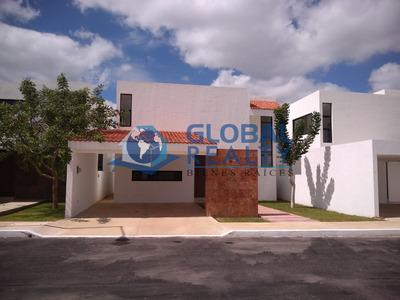 Casa En Venta En Conkal, Cerca De Zona Universidades Cv-5703
