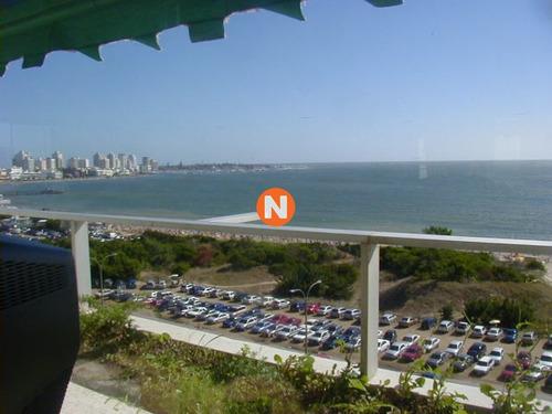 Apartamento En Venta Y Alquiler, Mansa, Punta Del Este, 3 Dormitorios.- Ref: 1364