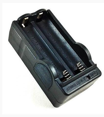 Carregador Duplo Para Bateria De Lanterna Tática 18650 3.7v