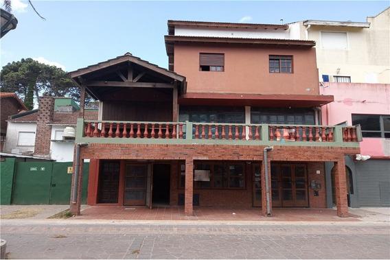 Venta Local 2 Departamentos Y Chalet Gesell Centro
