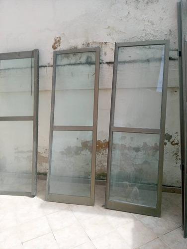 Imagem 1 de 4 de Portas De Vidro Com Alumínio,duas De Correr E Duas Fixas